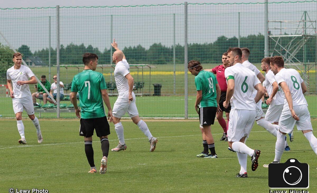 W lidze także zwycięstwo!     Legia II – Świt 2:3 (1:2)